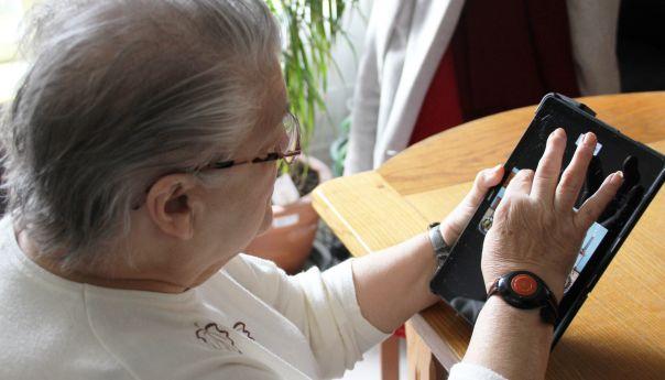 Facilotab : une tablette tactile pour des retraités connectés